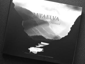 Altaelva - omslaget
